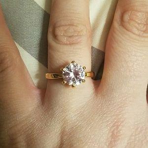 Size 7 18 Karat Stamped Yellow Gold Ring